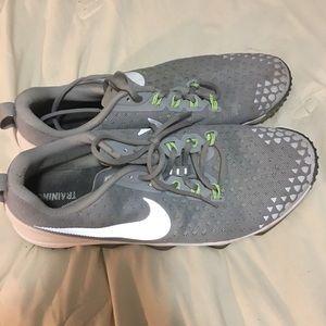 Nike Men's hypercross Tr2 Shoe. Size 13 .